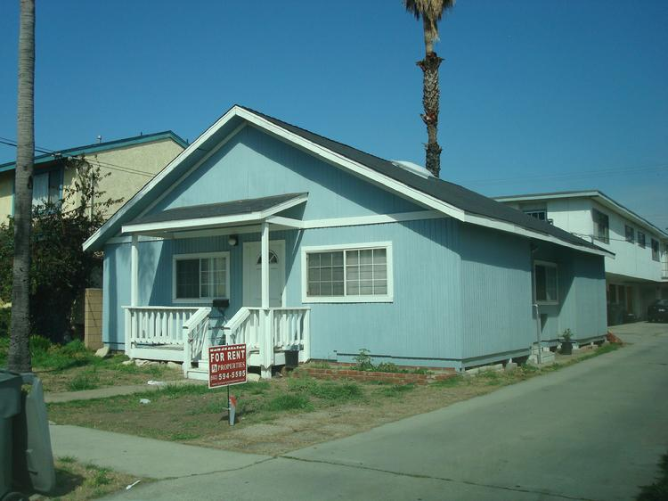 Gardena, Ca. 90247 2 Bedroom Apartment